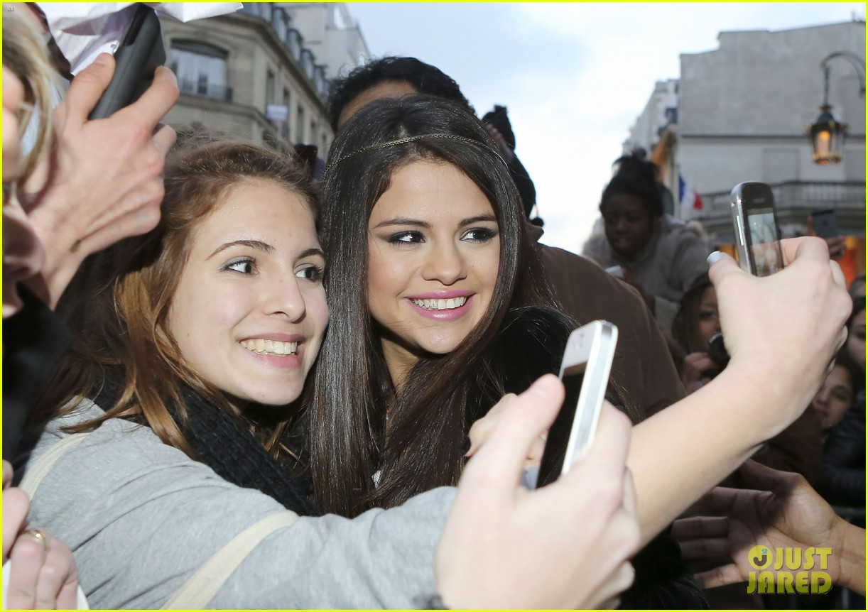 selena gomez pretty in paris 04