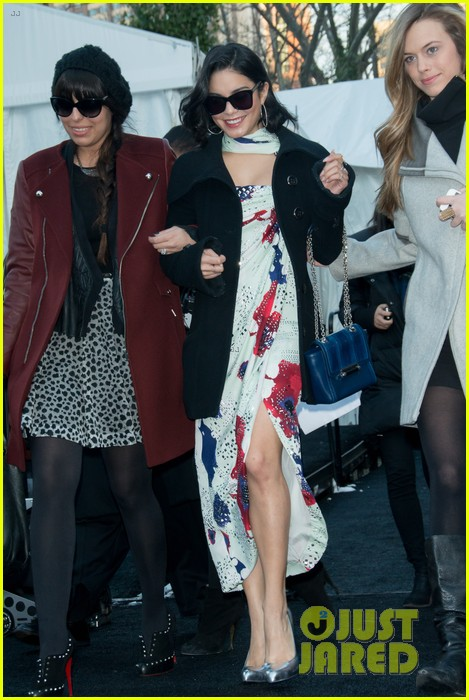 vanessa hudgens dvf fashion show 08