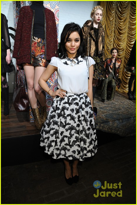 vanessa hudgens alice olivia fashion show 07