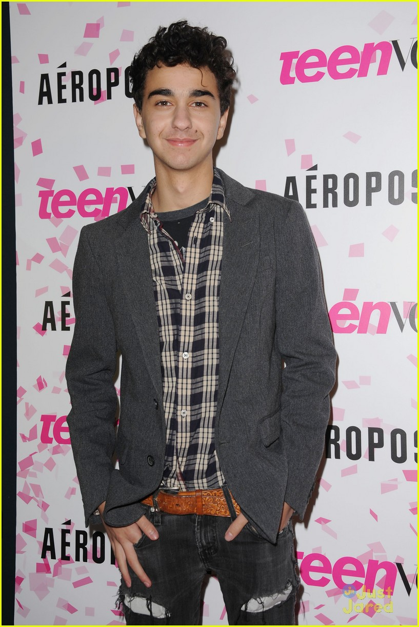 jake t austin wolff bros teen vogue party 02