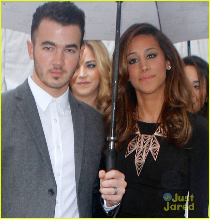 kevin danielle jonas fashion week couple 05