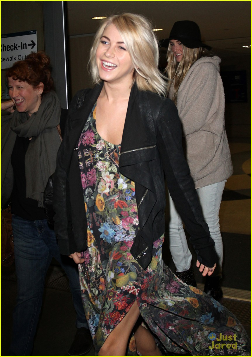 julianne hough coffee run 02