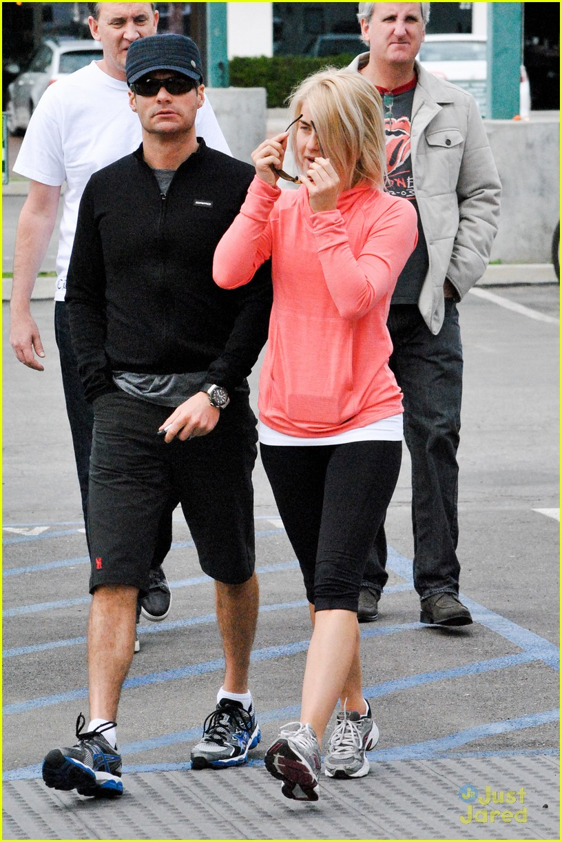 julianne hough coffee run 09