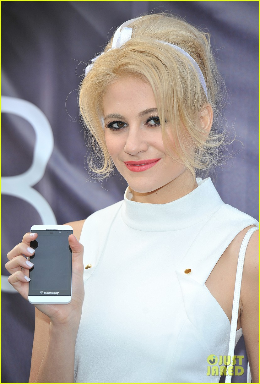 pixie lott blackberry z10 launch event 02