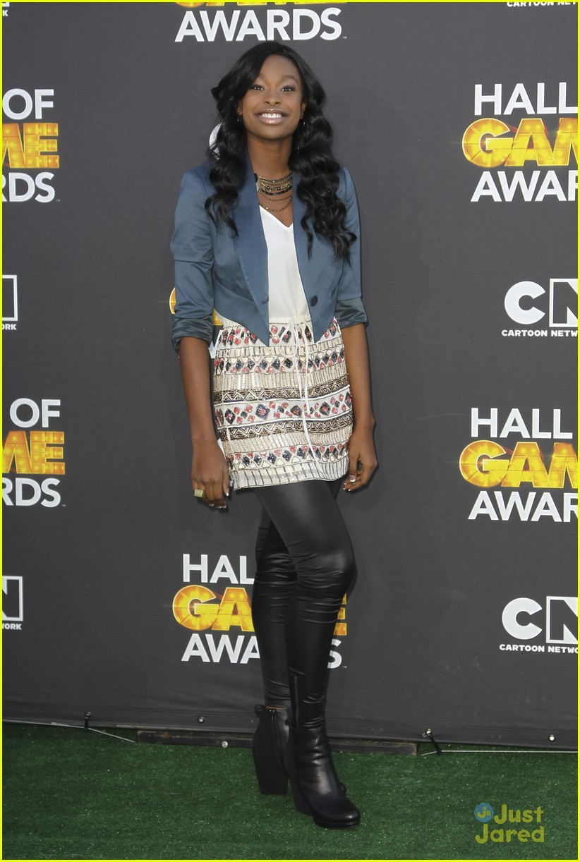 bridgit mendler coco jones hall game awards 01