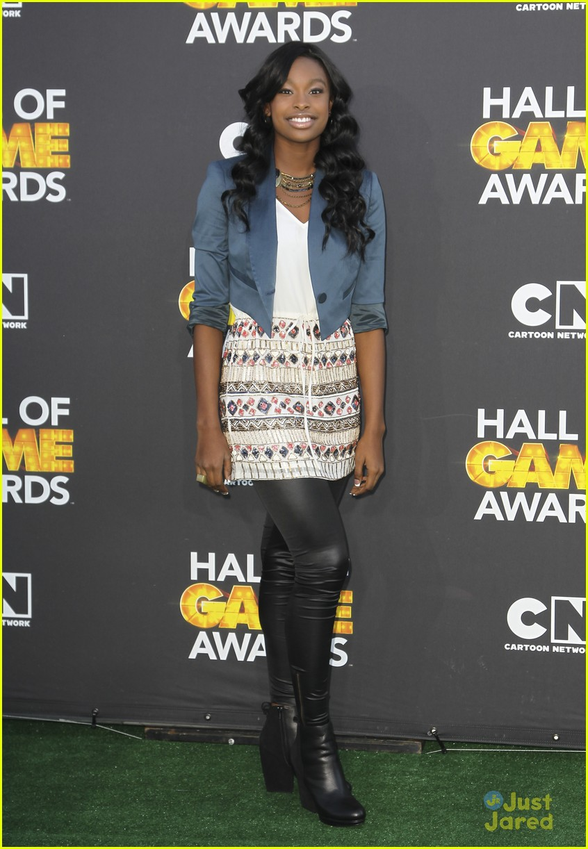 bridgit mendler coco jones hall game awards 09