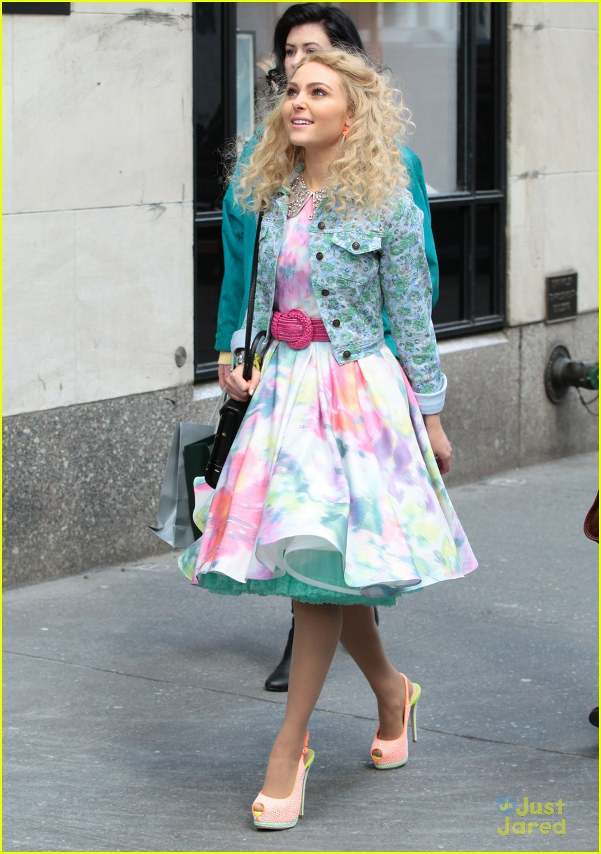 annasophia robb carrie set spring look 09