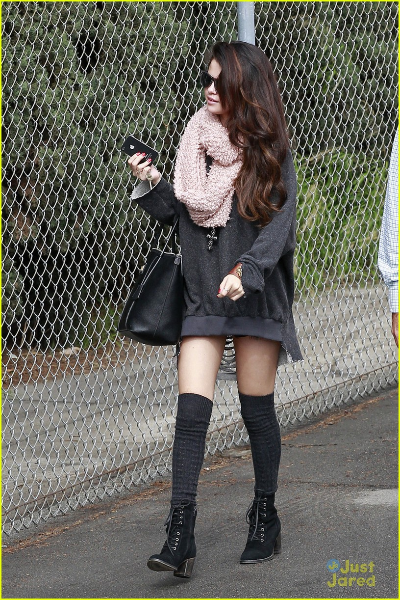 selena gomez studio stop 03