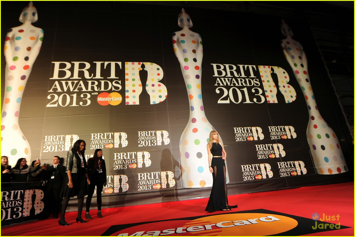 taylor swift brit awards 02