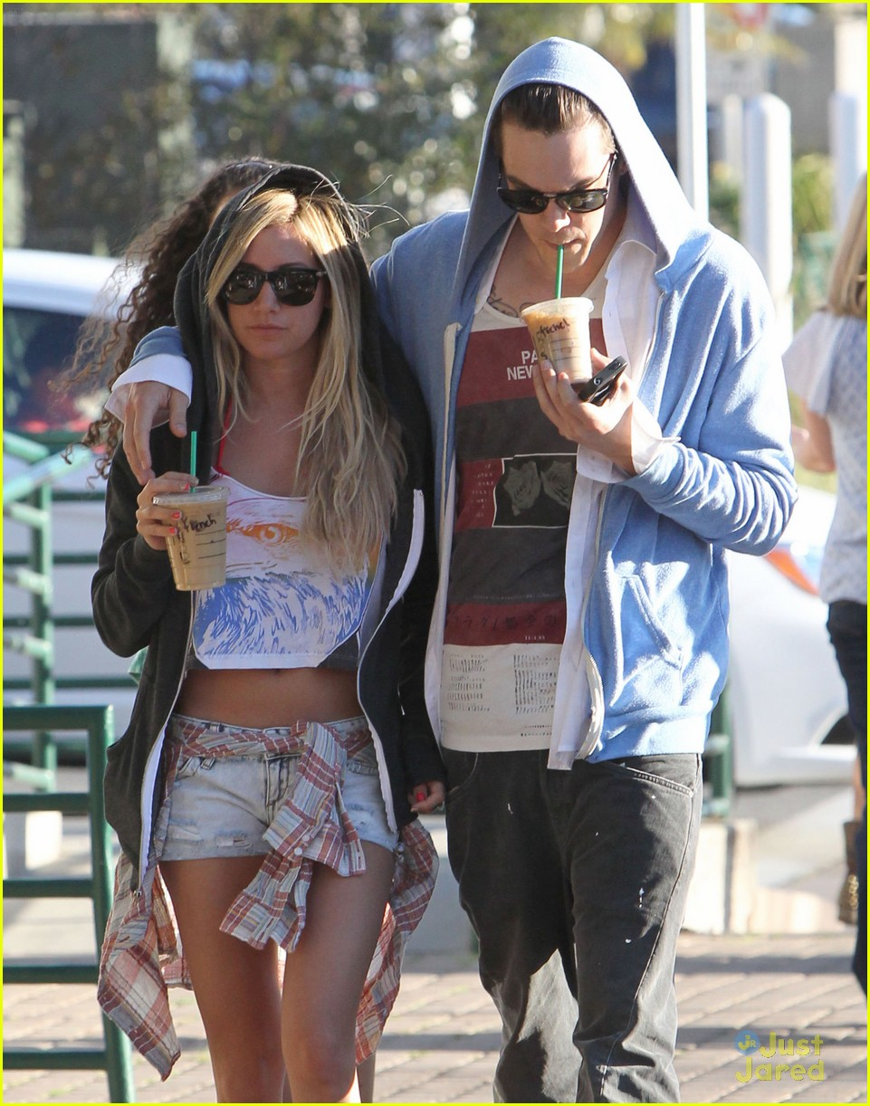 ashley tisdale christopher french starbucks stop 03