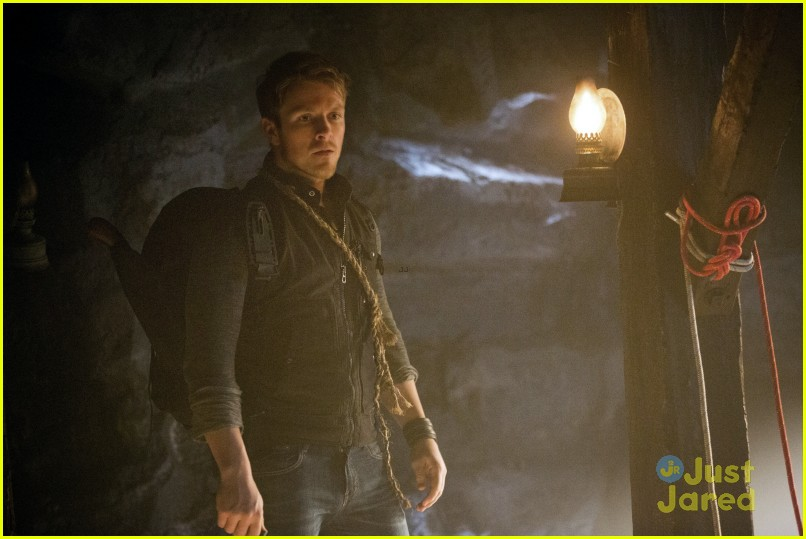 the vampire diaries down the rabbit hole episode preview 02