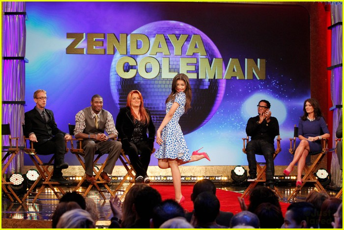 zendaya aly raisman gma dwts pics 01