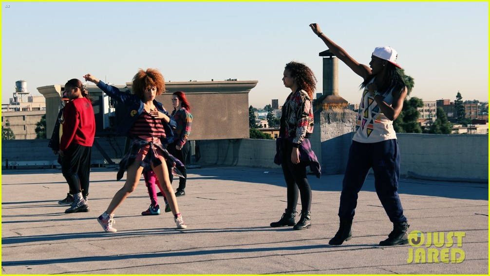 zendaya rooftop dance video exclusive photos 02