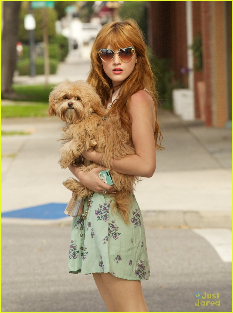 bella thorne puppy play time 01