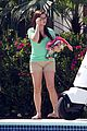 Hyland-pool sarah hyland ariel winter pool mf 04