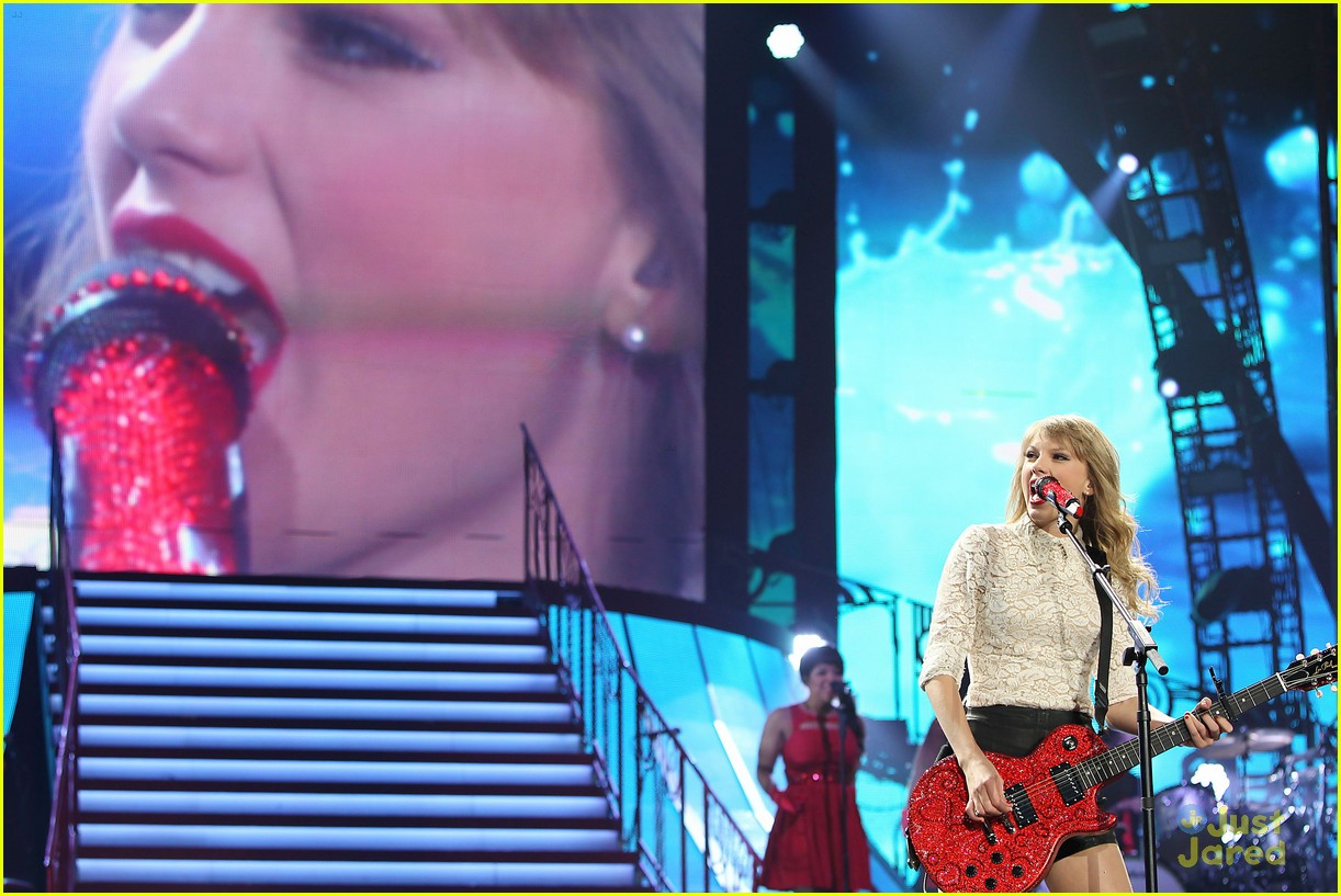 taylor swift newark night one 23