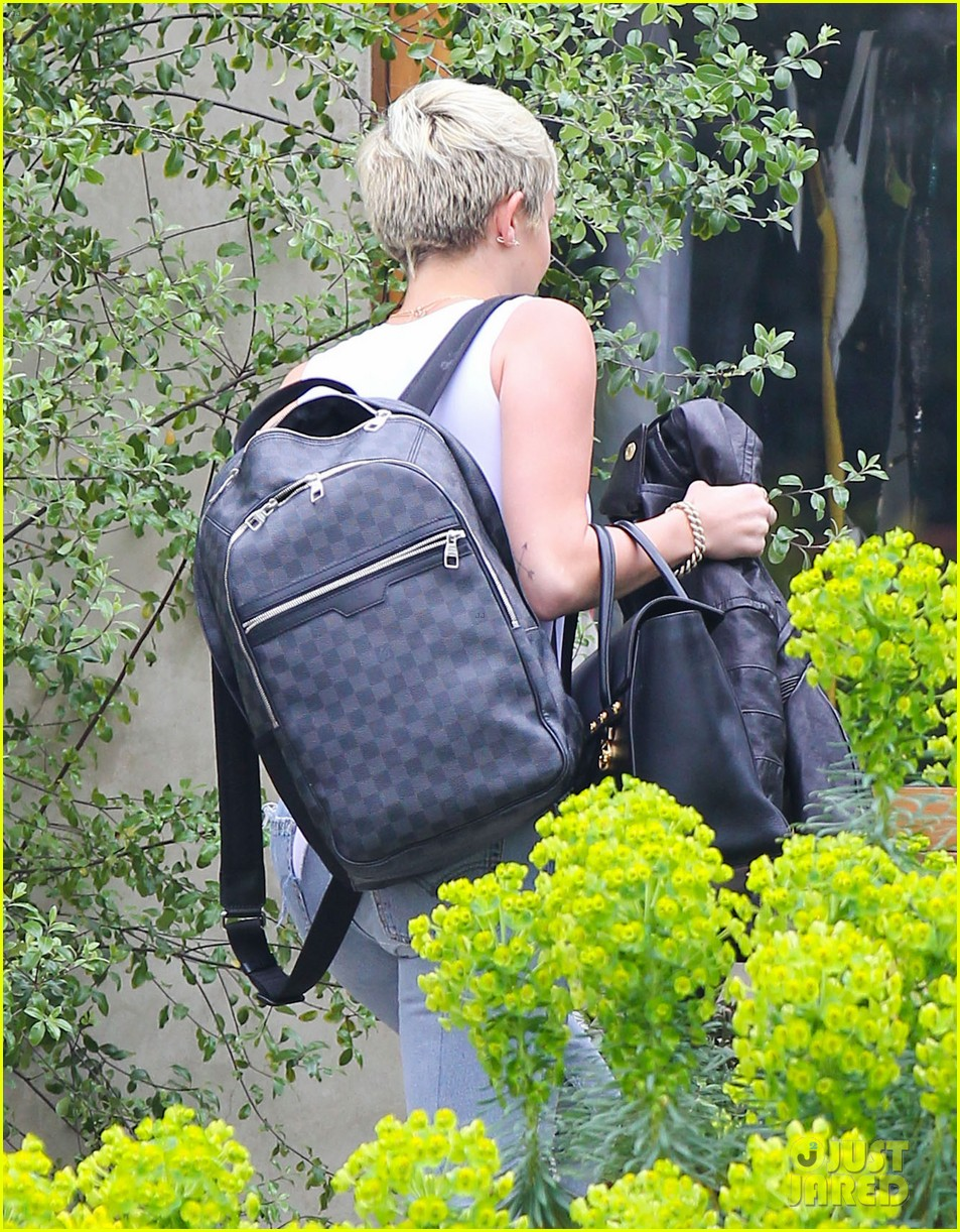 Miley Cyrus Has a Photoshoot, Liam Hemsworth Grabs Lunch | Photo ...
