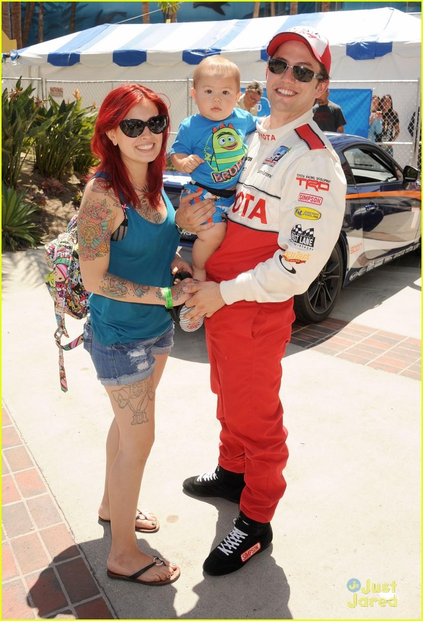 brett davern jackson rathbone toyota celebrity race 03