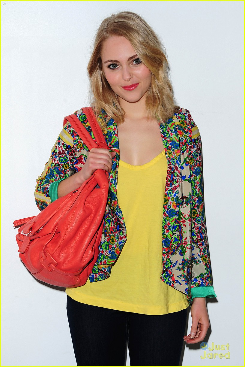 annasophia robb carrie hair 08