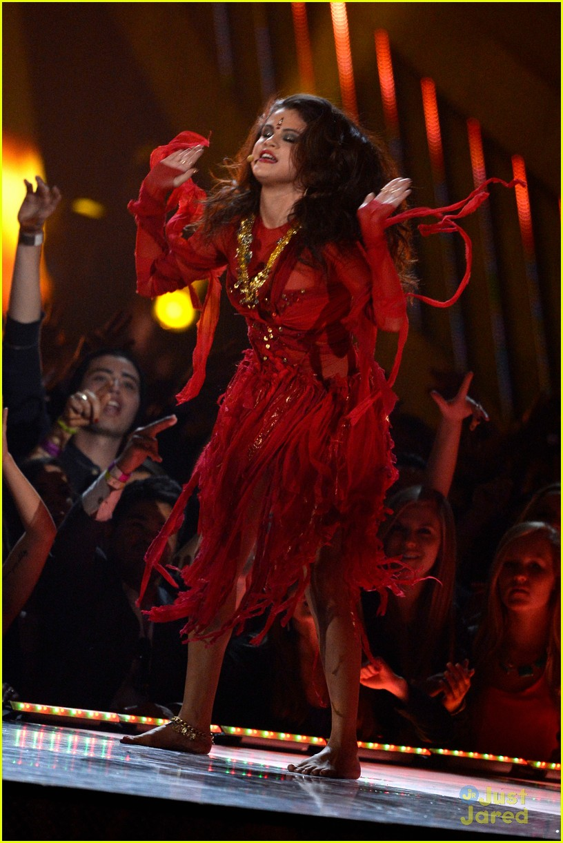 Do You Anticipate Selena 3 to be Bigger than Revival ...  |Selena Gomez Come And Get It Performance