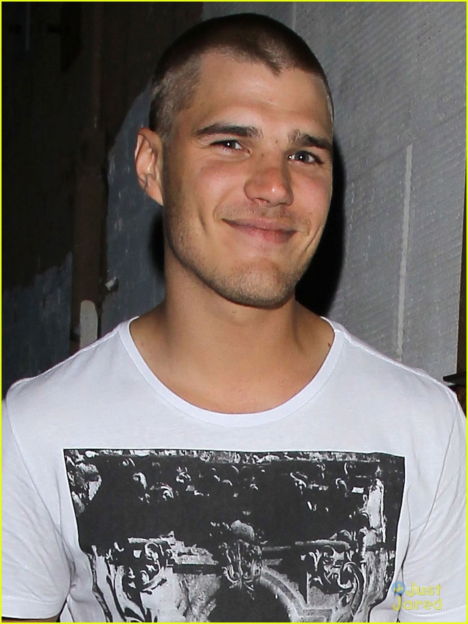 chris zylka parischris zylka gif, chris zylka height, chris zylka paris, chris zylka gif hunt, chris zylka facebook, chris zylka dating history, chris zylka filmographie, chris zylka photos, chris zylka foto, chris zylka hannah montana, chris zylka instagram, chris zylka official instagram, chris zylka american horror story, chris zylka instagram photos