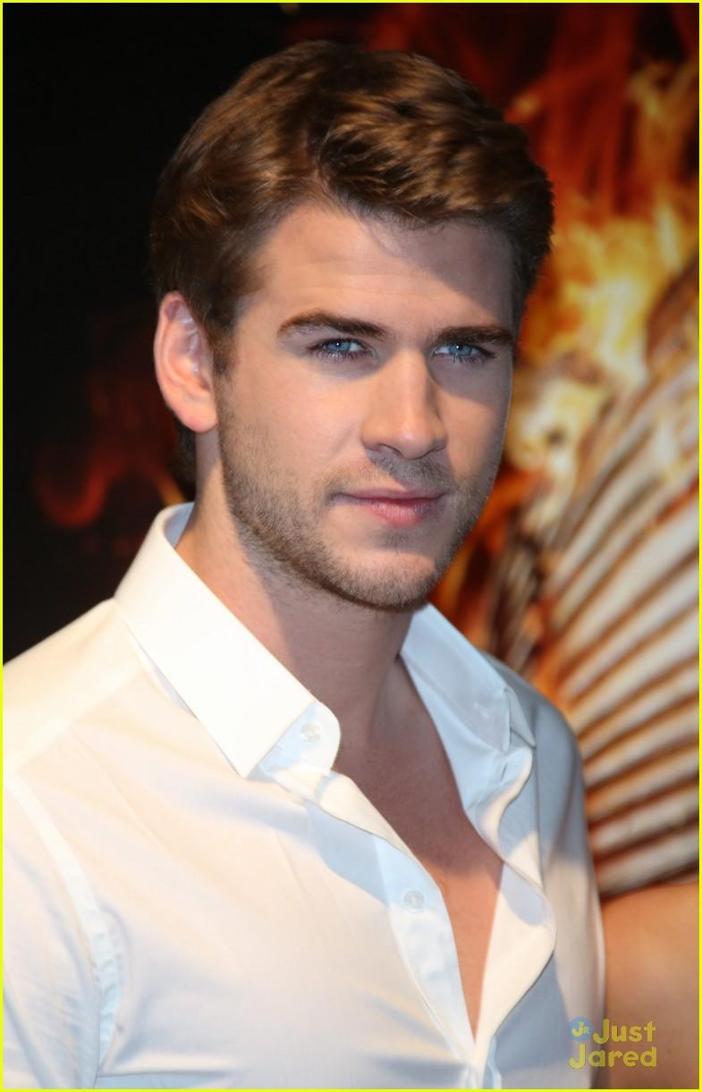 Hemsworth liam dating leona