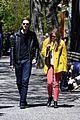 Liz-soho elizabeth soho stroll with boyd holbrook 09