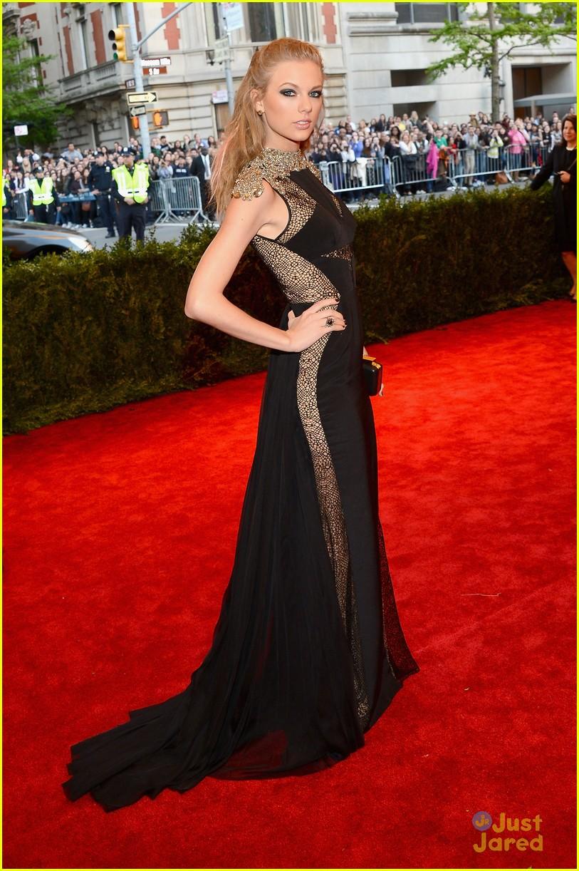 Daydream Stars: Taylor Swift -- Met Ball 2013