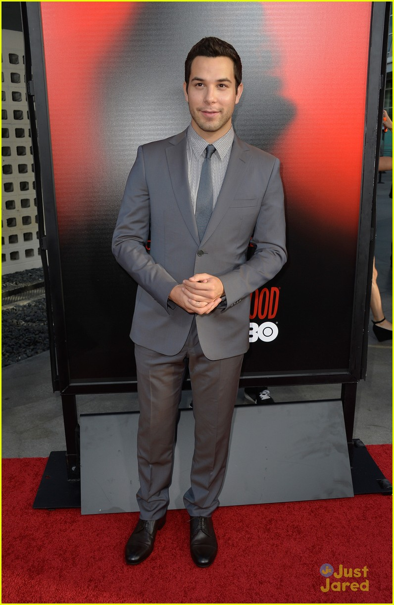 Skylar Astin 21 And Over Star Is Cool With Being Your