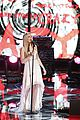 Danielle-hunter the voice finale danielle bradbery hunter hayes perform watch now 01