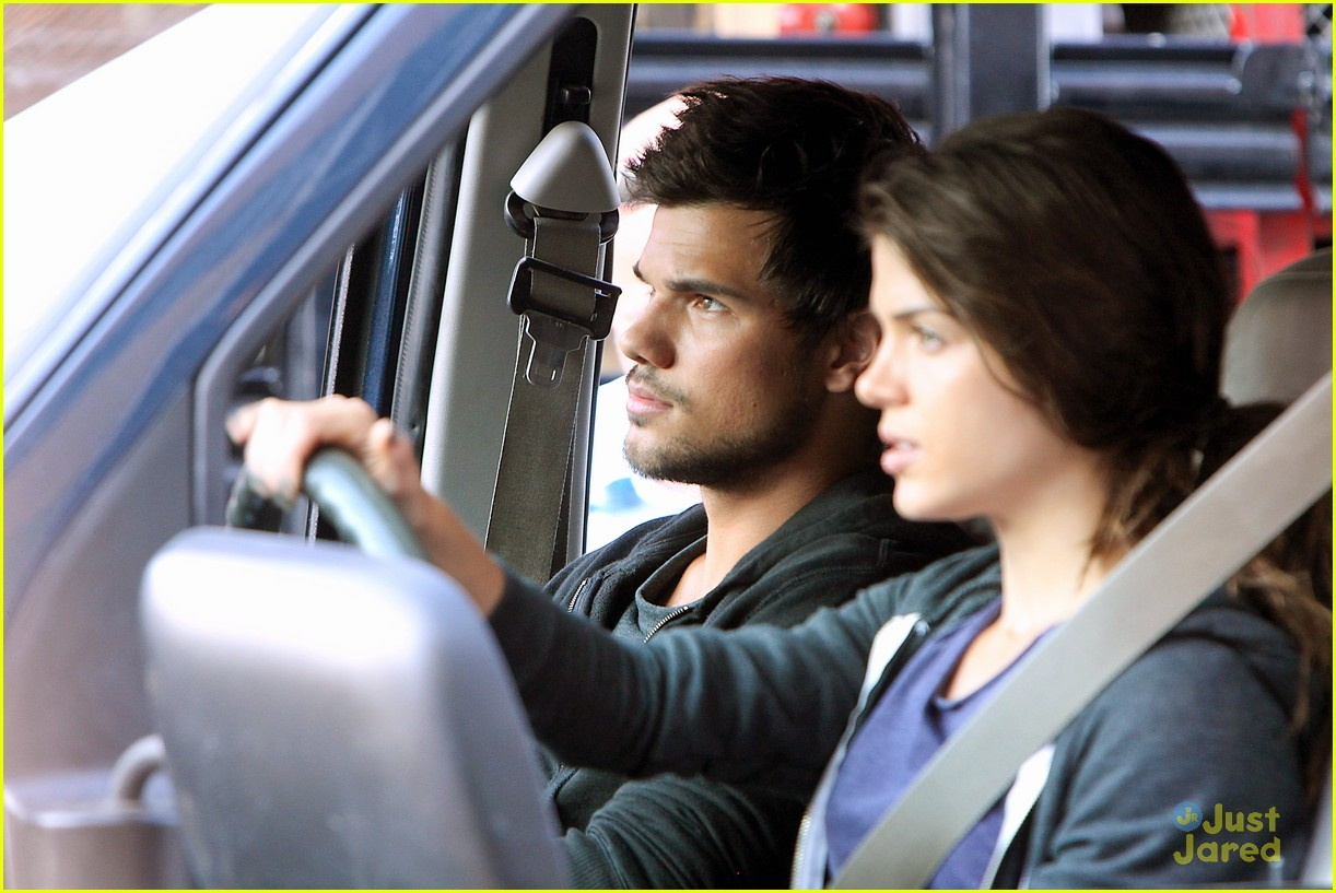 taylor lautner bench campaign behind the scenes 05