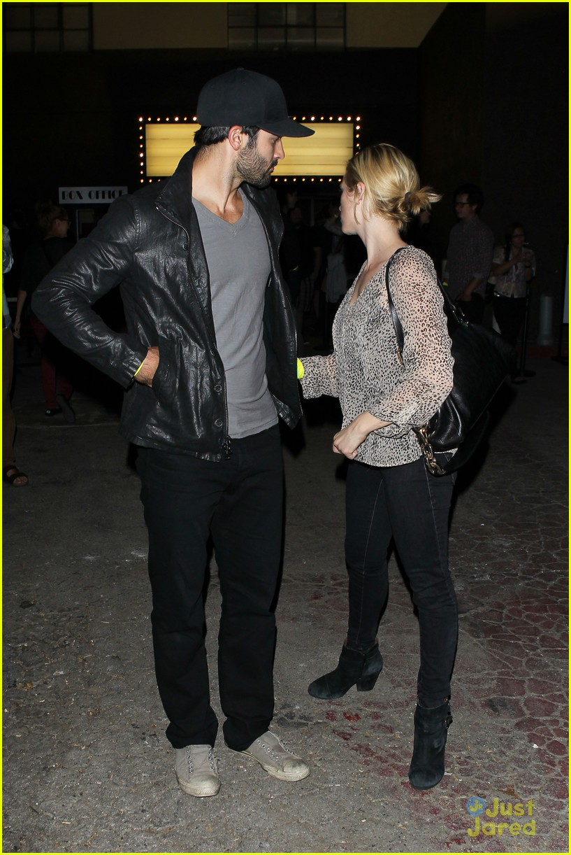 brittany snow tyler hoechlin comedy date night 09