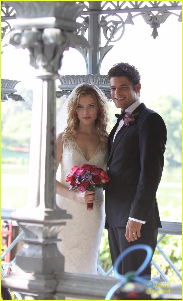 anna kendrick jeremy jordan last five years wedding photos 09