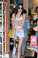 Jenner-shop kendall kylie jenner shopping sisters 07