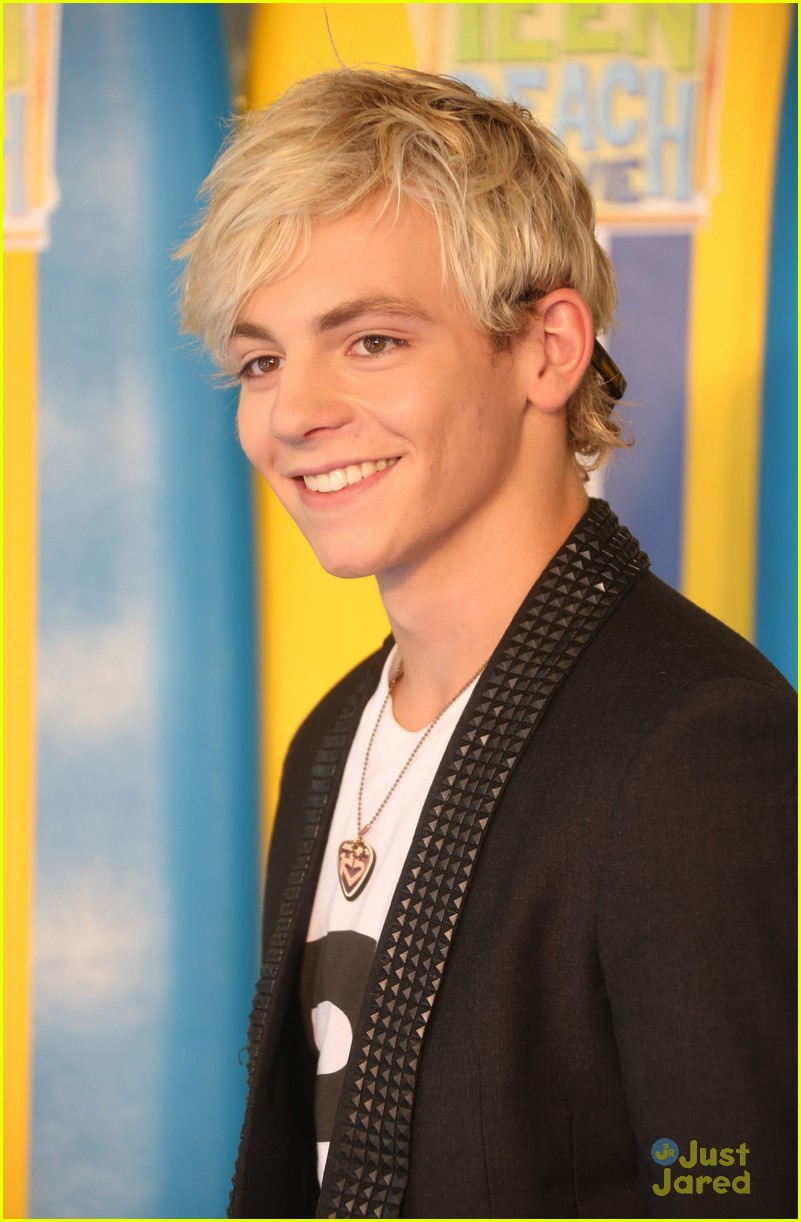 ross lynch maia mitchell teen beach movie screening 21