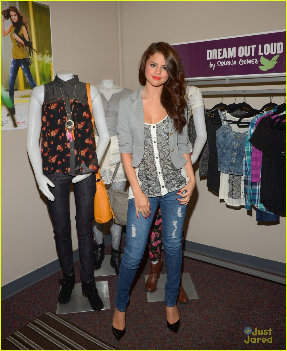 Selena Gomez to Launch a Clothing Line With Coach pics