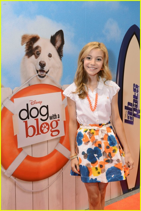 G Hannelius: 'Dog With A Blog' at D23 | Photo 587190 ...