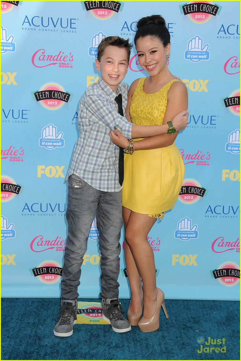 Jake T. Austin arrives in style at the 2013 Teen Choice Awards held at