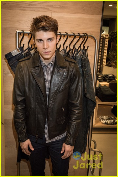keegan allen garrett clayton nylon 7 for mankind 33