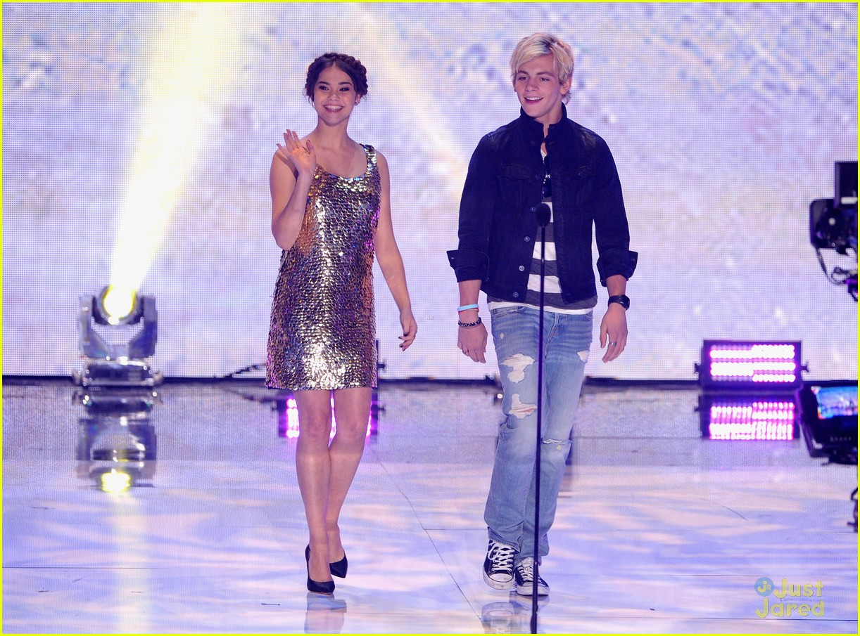 maia mitchell ross lynch teen choice awards 2013 08