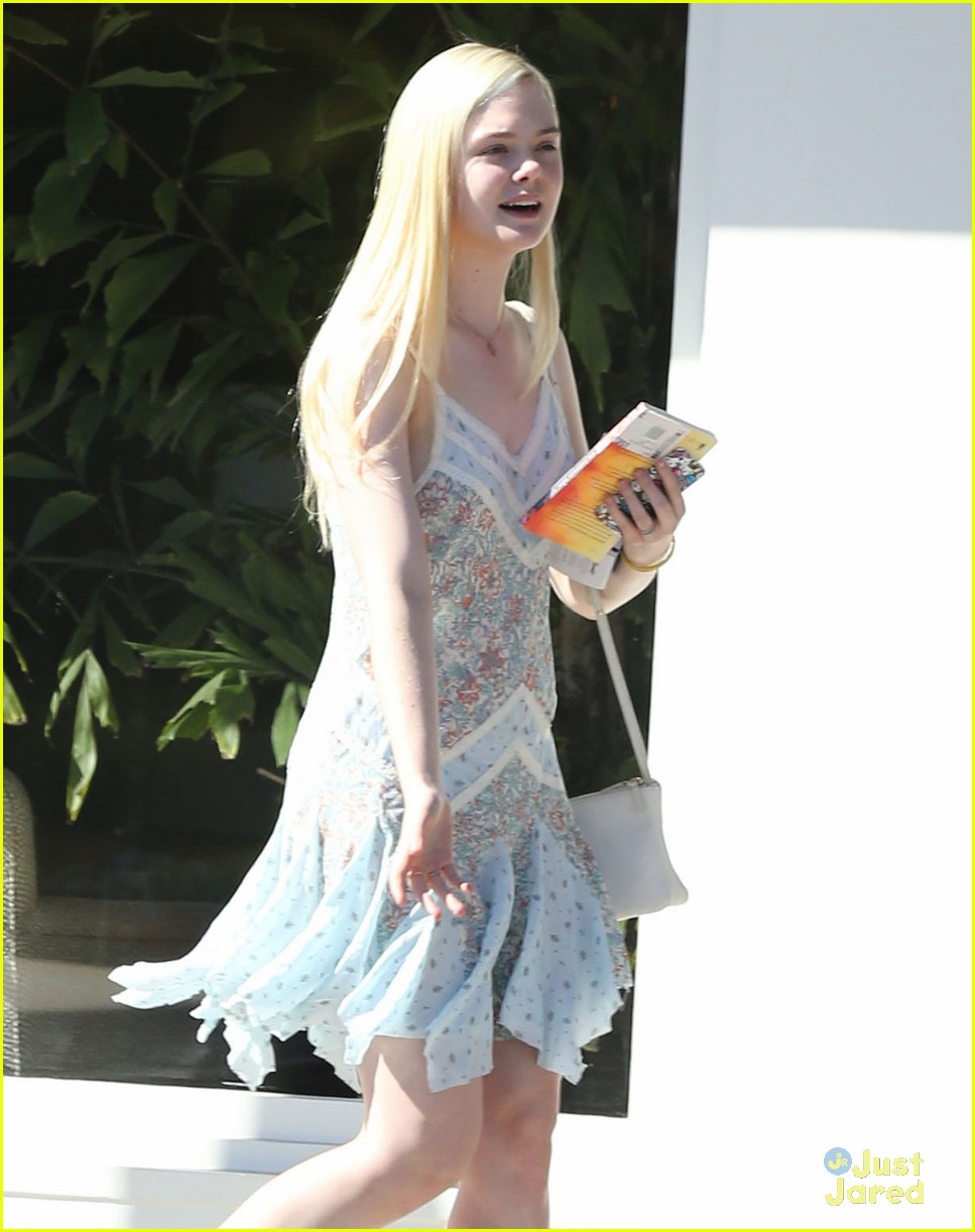 elle fanning some kids play soccer i do movies 09