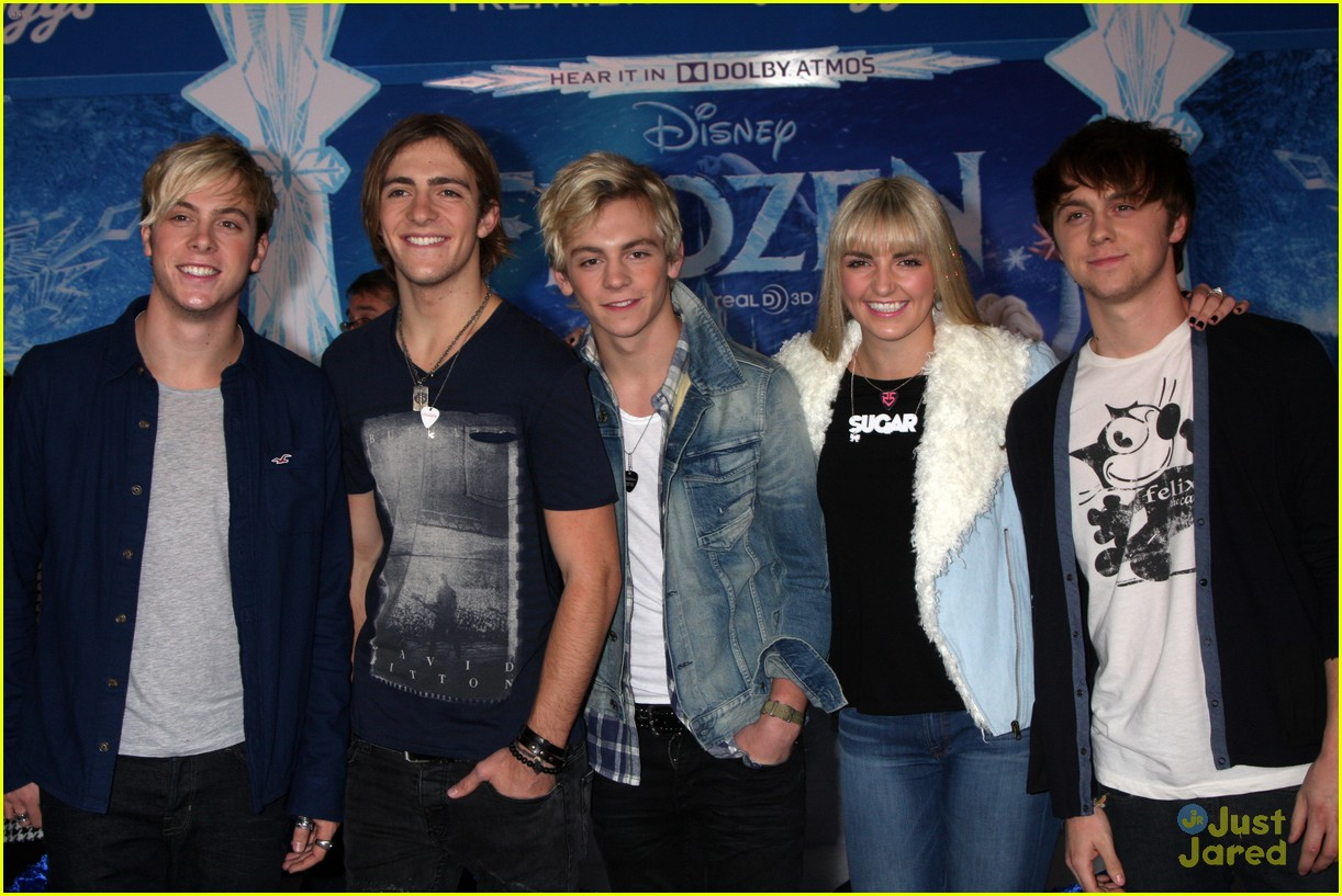 r5 china mcclain frozen premiere attendees 05