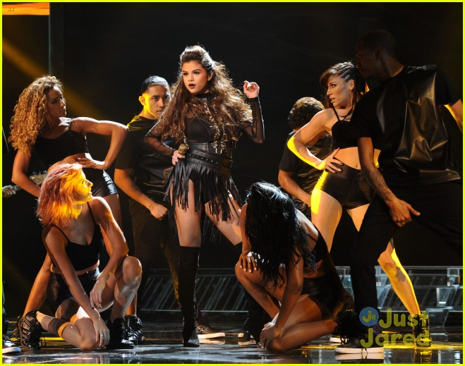 selena gomez slow down x factor performance watch 01