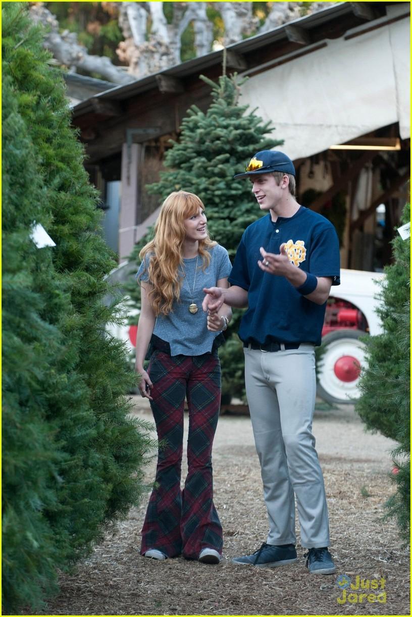 bella thorne christmas tree shopping 02 - Christmas Tree Shopping