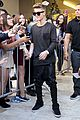 Bieber-previews justin bieber previews one life whats hatnin swap it out 07