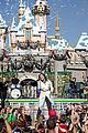 Demi-parade demi lovato sings let it go at disney christmas parade video 03