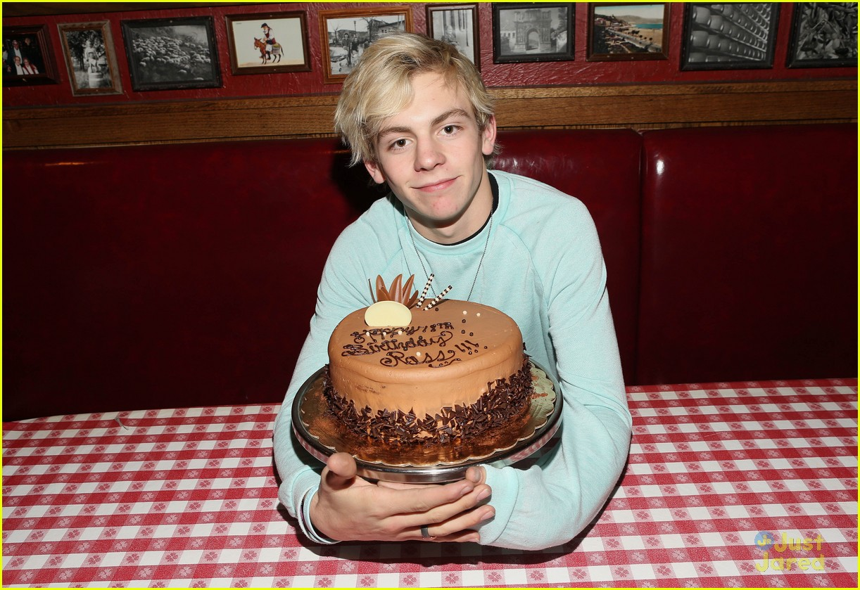 ross lynch bday buca pics 03