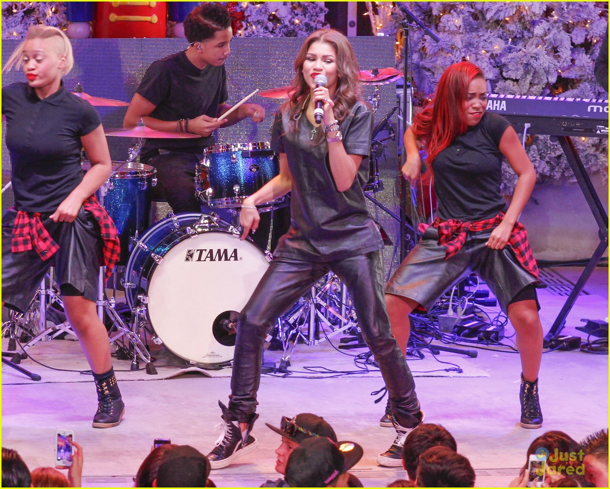 Toys For Teens 2013 : Zendaya amp radio s toys for teens performer photo