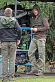 Amell-wig stephen amell dons wig arrow filming 11