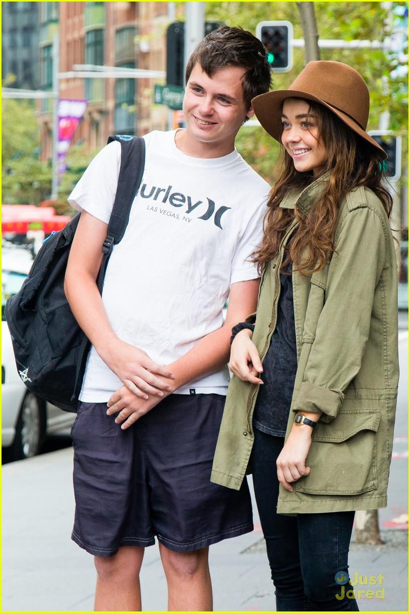Sarah Hyland & Matt Prokop Take A Sydney Stroll | Photo ... Vanessa Hudgens Boyfriend